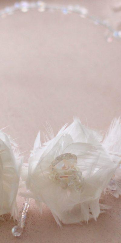Grinalda de Penas para Noiva TRG27 por Elizabete Munzlinger